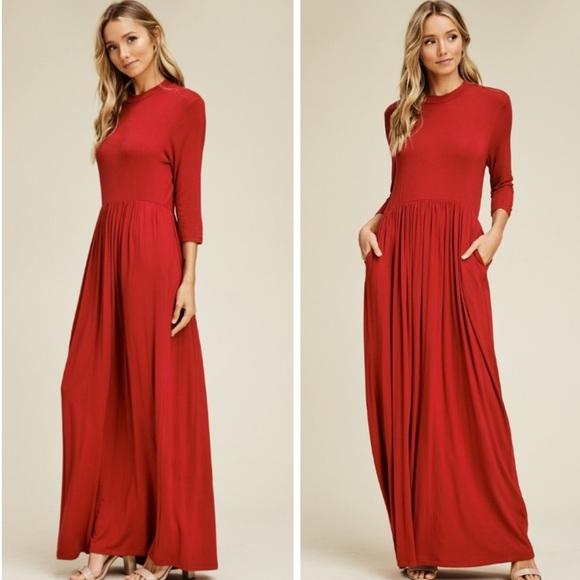 Dresses & Skirts - Red 3/4 sleeve maxi dress